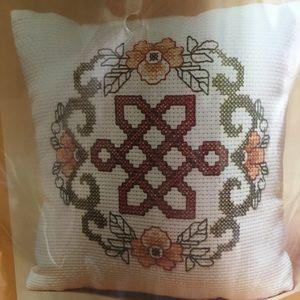 Other - Endless Knott Cross stitch
